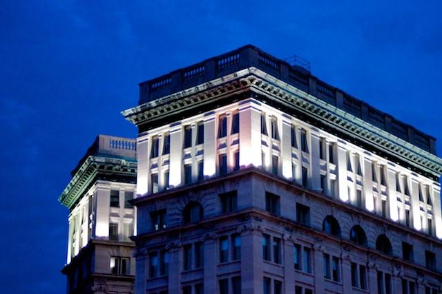 Oświetlenie Architektoniczne W Aranżacji Elewacji Budynków