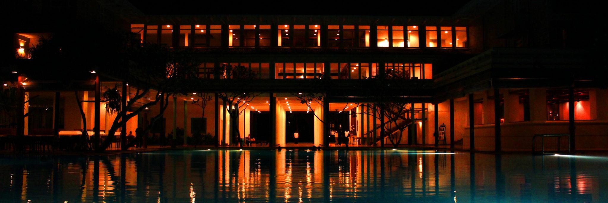 oświetlenie do basenu